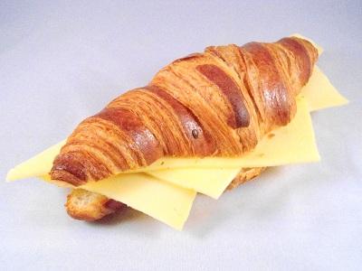 Croissantje met kaas